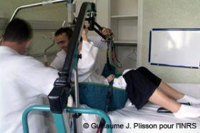 Elevador para prevenir los riesgos asociados con la actividad física en el trabajo