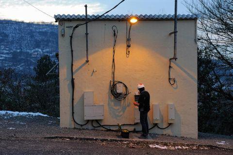 Tirer ligne electrique exterieur