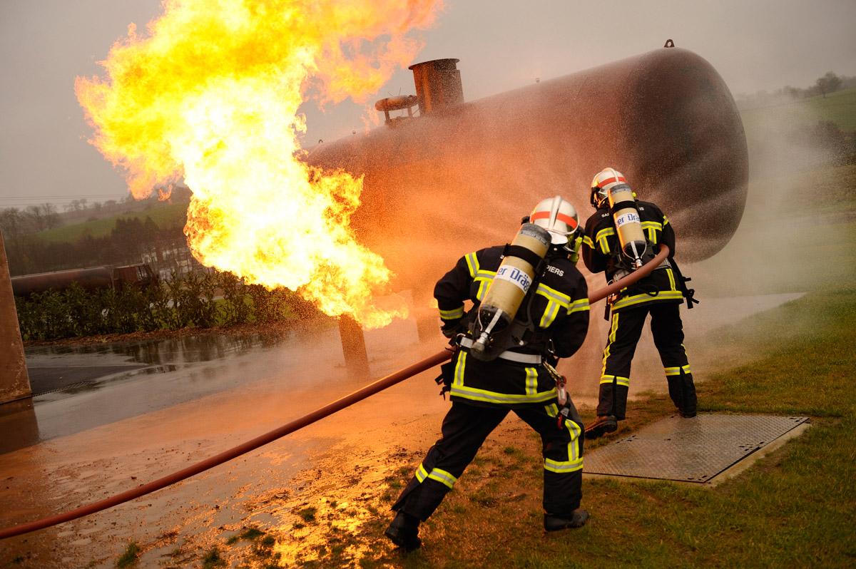 an introduction to the issue of explosion incidents 1 introduction human and organisational factors (hof) are a widely recognised  cause of major industrial accidents,1 yet there appears to be limited academic.